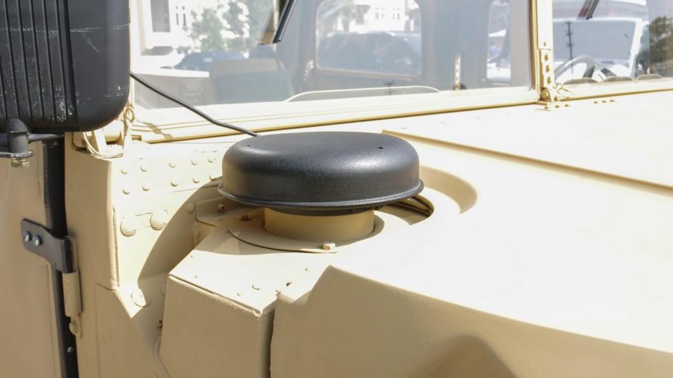 Hummer AM General HMMWV M998 (7)