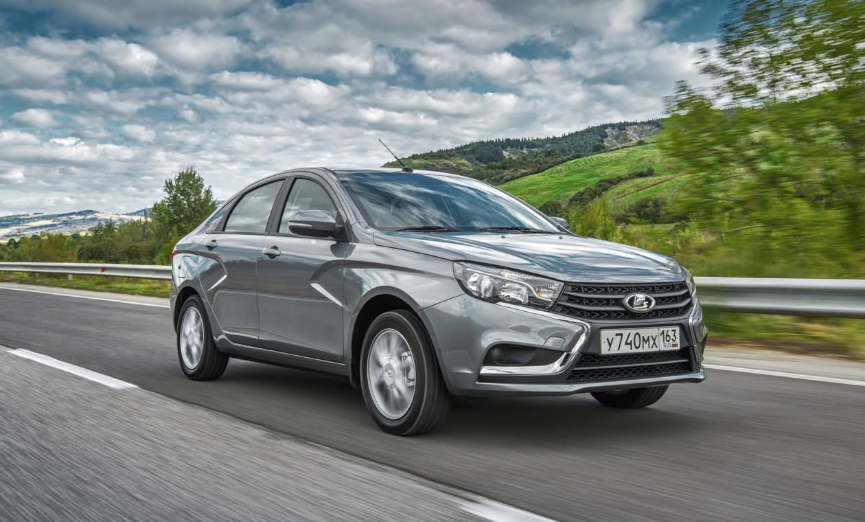 Весной 10 производителей автомобилей переписали цены в Российской Федерации