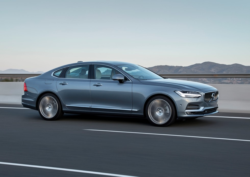 New Volvo S90 location driving