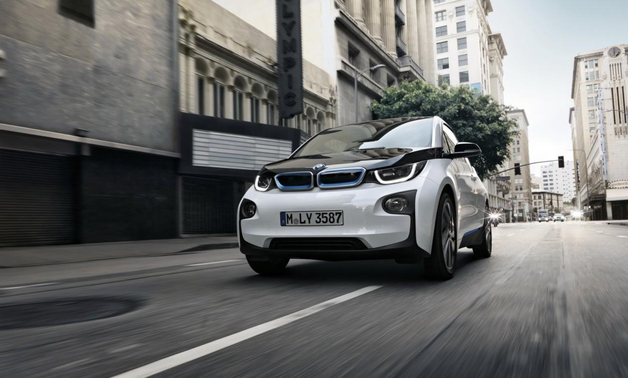 13ИюнОбновленный ситикар BMW i3 приехал в США
