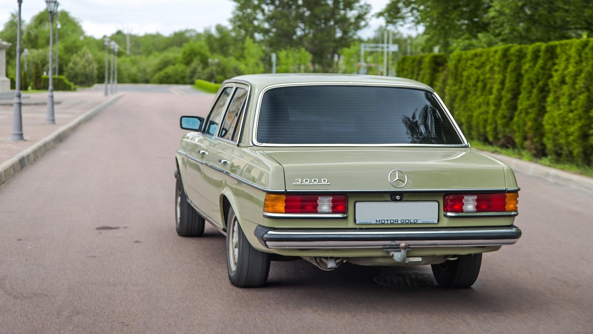 Mercedes-Benz 200 в кузовах W114115, W123, W124