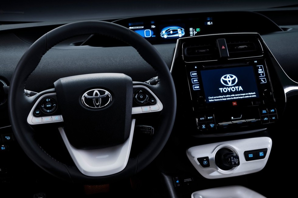 Следующее поколение Toyota Prius будет использовать энергию солнца