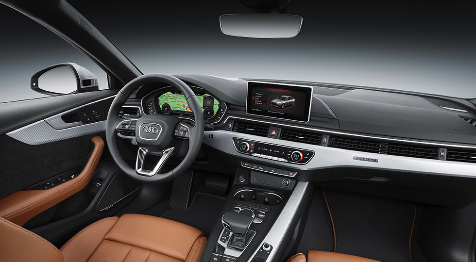 На фото: интерьер Audi A4
