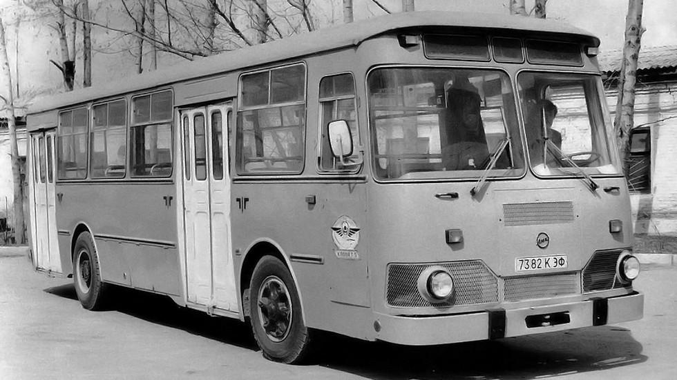 На фото: модернизированная версия ЛиАЗ 677М
