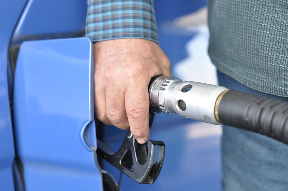 gas-station-727162_1280
