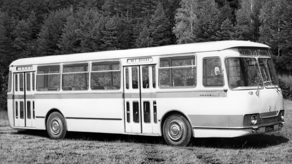 На фото: ЛиАЗ-677 предсерийный
