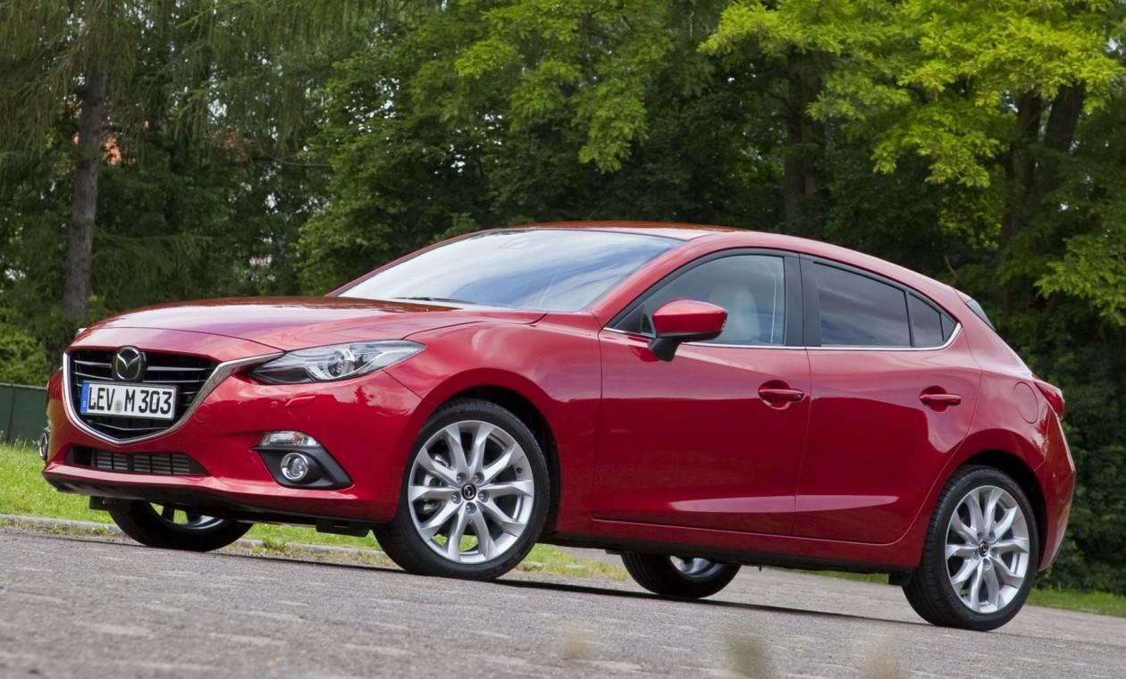 Обновленную Mazda3 показали вweb-сети