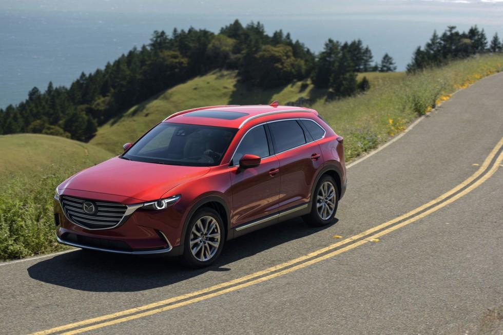На фото: обновленная Mazda CX-9