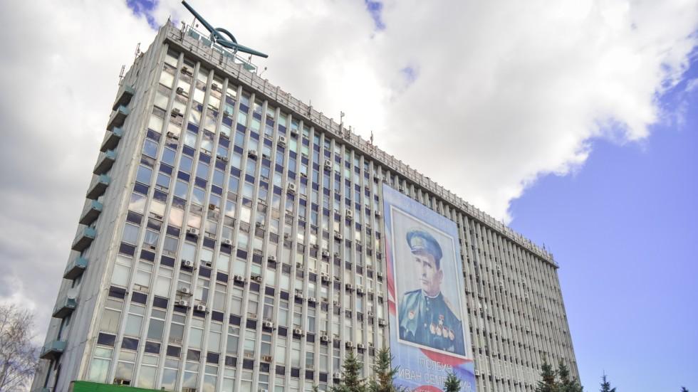 На фото: Корпус Ульяновского автомобильного завода
