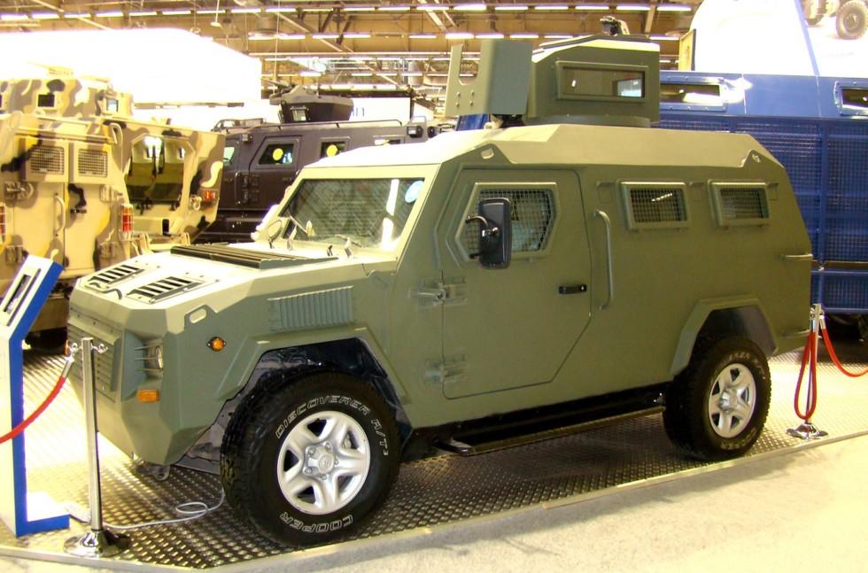 Компактная бронемашина Streit Cobra LAMV c 3-дверным корпусом