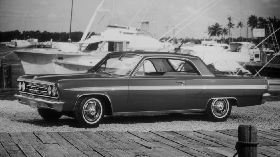 На фото: Oldsmobile F-85 Jetfire Hardtop Coupe 1963