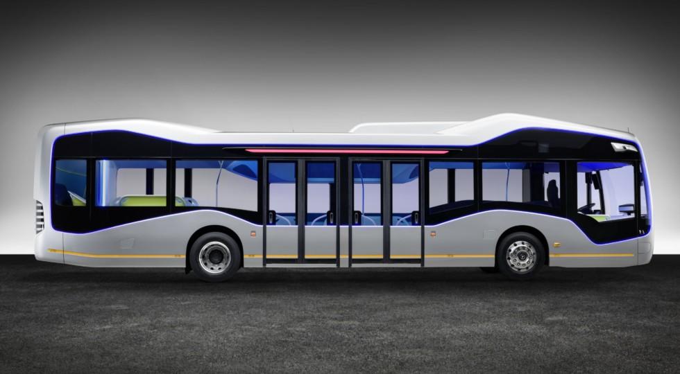 Mercedes представил городской автобус сполуавтоматической системой вождения