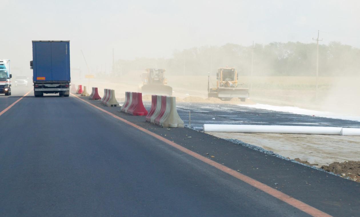 Руководство  выделит дополнительные средства наремонт дорог вКрыму