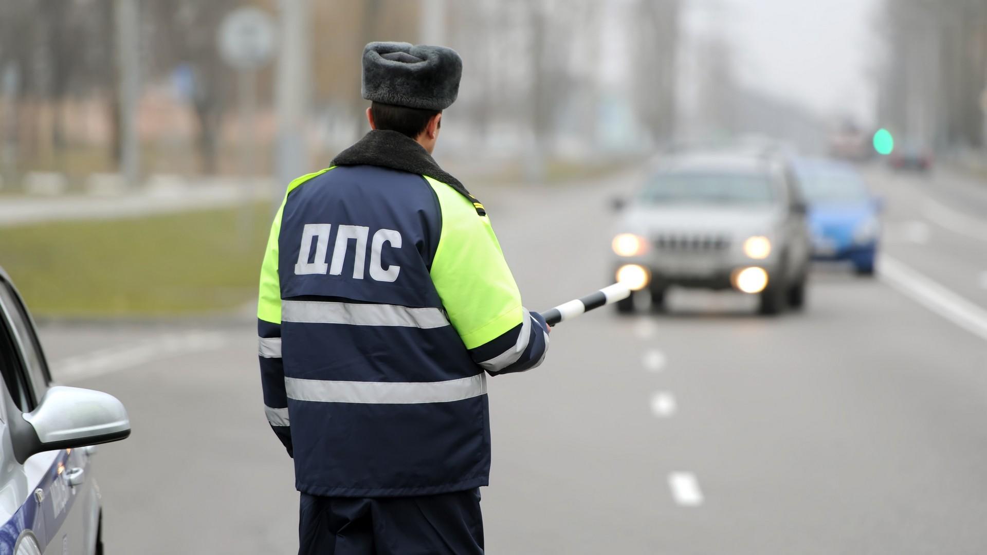 Разрешено ли ставить автомобиль под знаком полиция