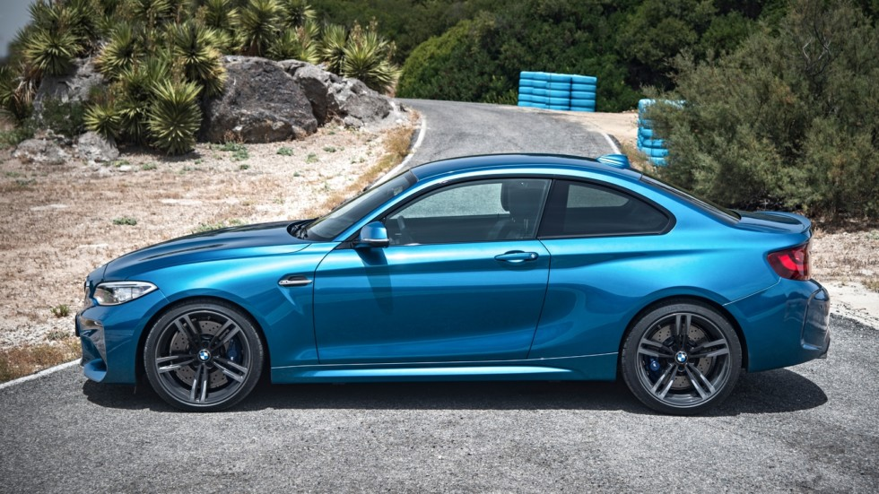 P90199662_highRes_the-new-bmw-m2-coupe