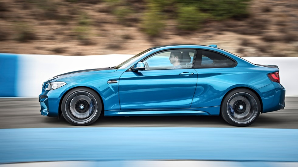 P90199674_highRes_the-new-bmw-m2-coupe