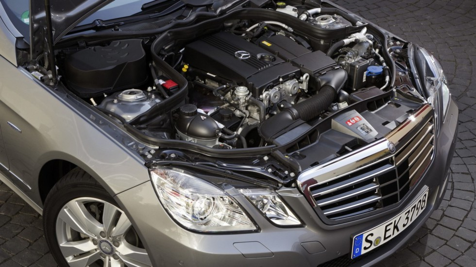 Под капотом Mercedes-Benz E 200 NGT (W212) '2011–12