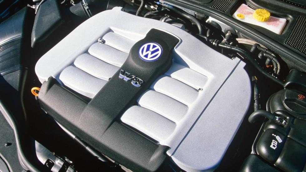 На фото: мотор Volkswagen Passat W8 Sedan (B5+) '2002–04