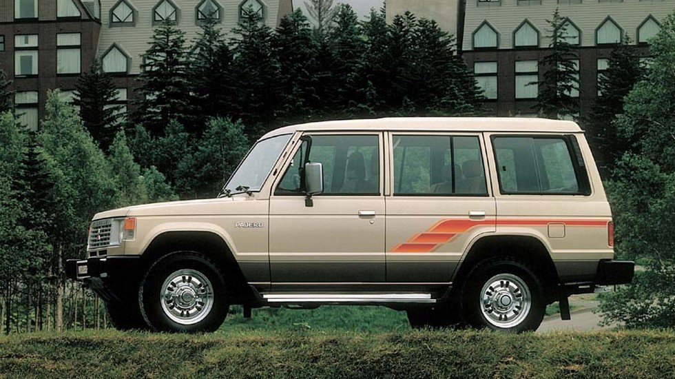 На фото: Mitsubishi Pajero Wagon