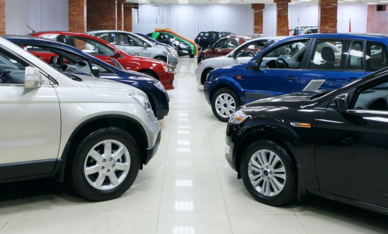 Впервом полугодии рынок автомобилей в Российской Федерации обрушился на14%