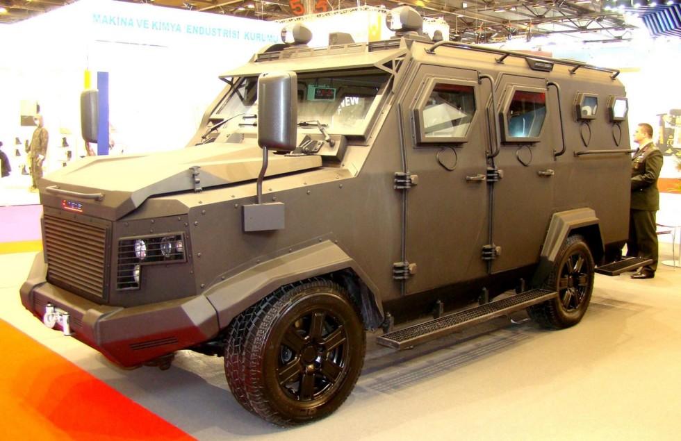 Легкая многоцелевая бронемашина Katmerciler Khan.D на шасси Toyota