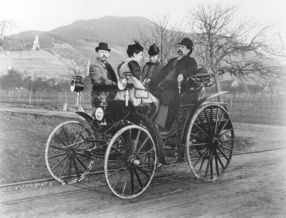 Carl und Bertha Benz mit Benz-Victoria