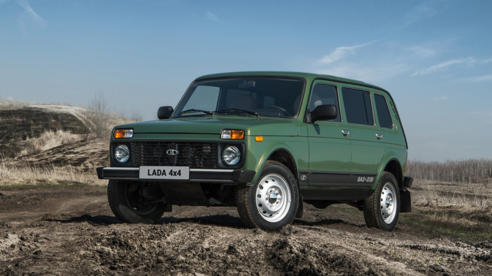 На фото: нынешняя Lada 4x4 5d