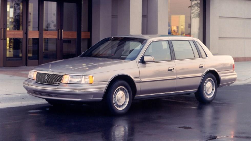 На фото: Lincoln Continental '1988–94