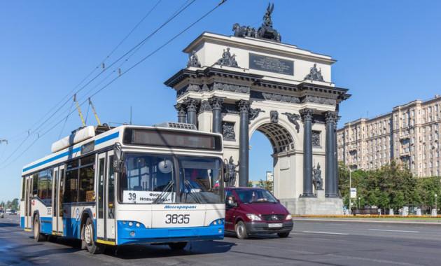 В столичных автобусах начнут фиксировать резкие торможения