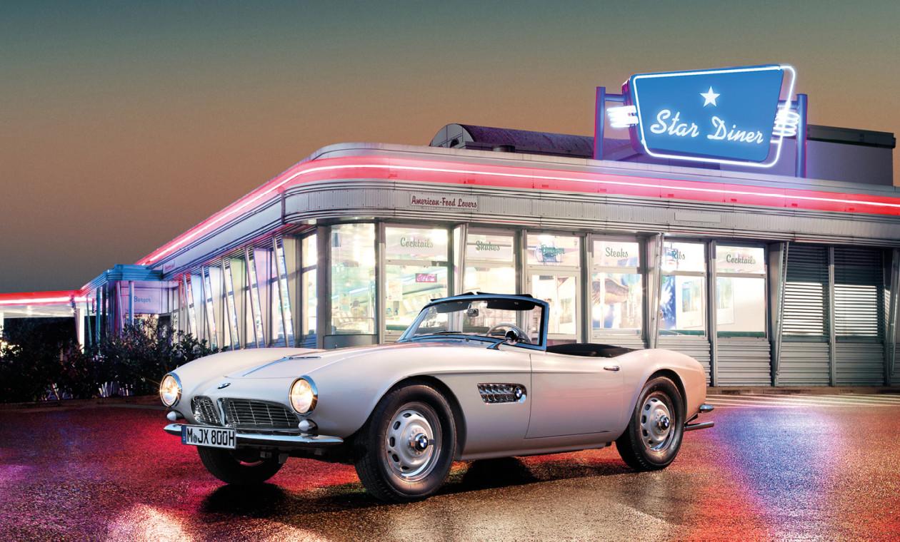 БМВ отреставрировала автомобиль Элвиса Пресли
