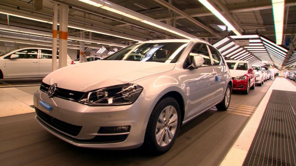 Volkswagen-Assembly-Line-2