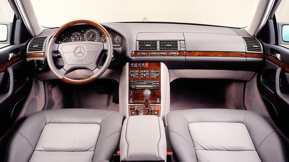 На фото: Mercedes-Benz S-Class Limousine (W140) '1991–98