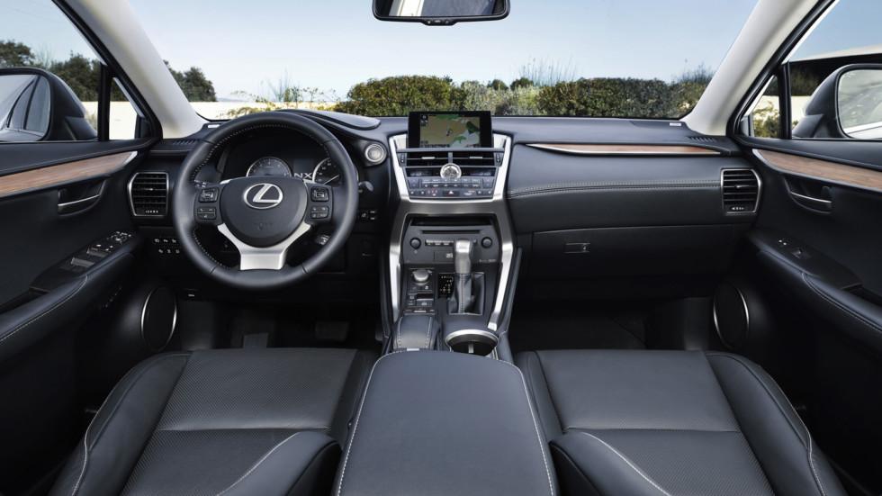 На фото: интерьер Lexus NX