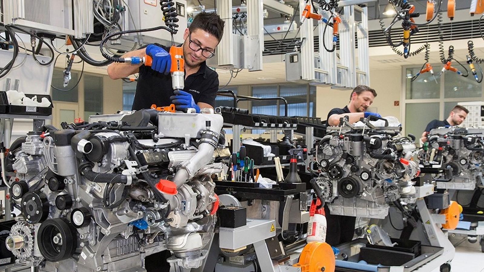Mercedes ведет переговоры опроизводстве собственных машин в Российской Федерации