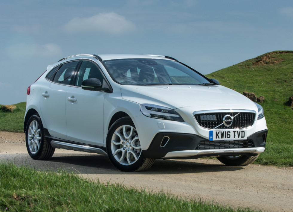 На фото: Volvo V40 Cross Country