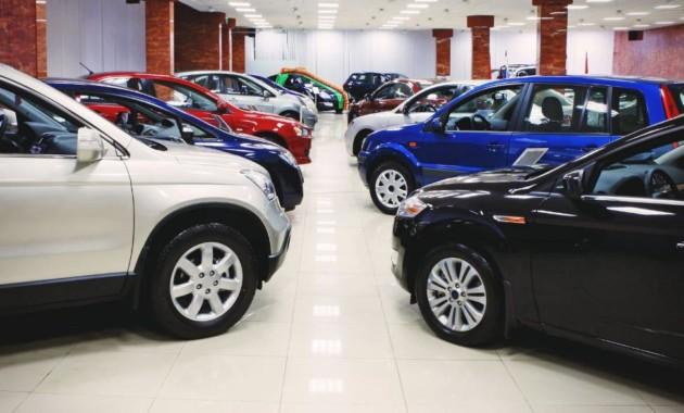 Летом русский автомобильный рынок стал 3-м вевропейских странах