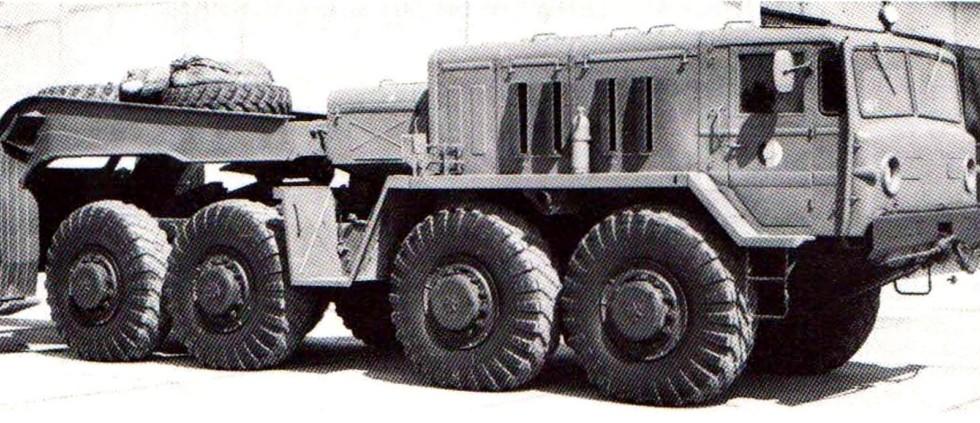 Седельный тягач МАЗ-537Г первого выпуска в Народной армии ГДР