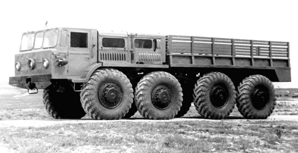 Опытный тягач МАЗ-536 весовой категории 15 т. 1957 год (из архива НИИЦ АТ)