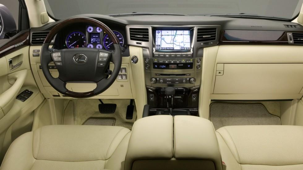 На фото: салон Lexus LX 570 2008