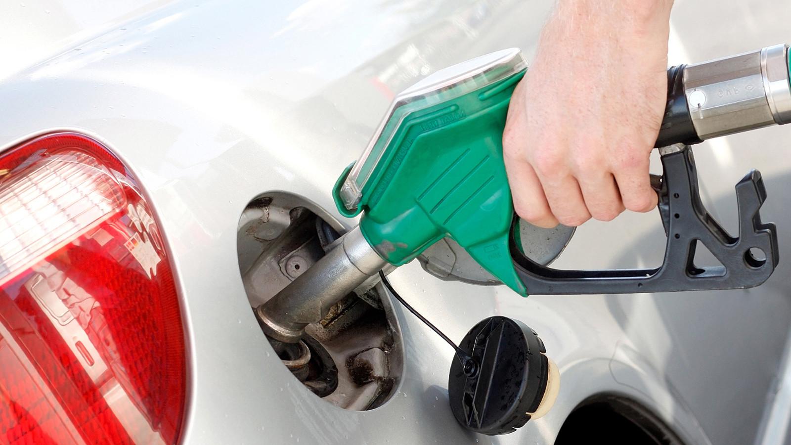 Росстат: Цены набензин вРФ стабильны шестую неделю подряд
