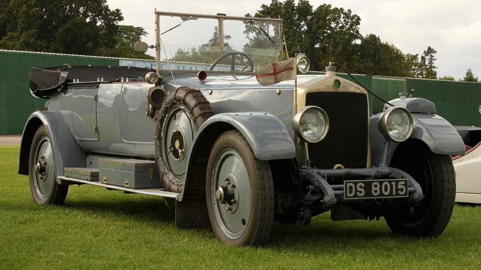 На фото: Lanchester Модель 1914
