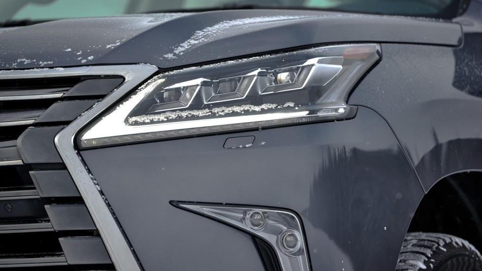 Lexus_LX_450D_016