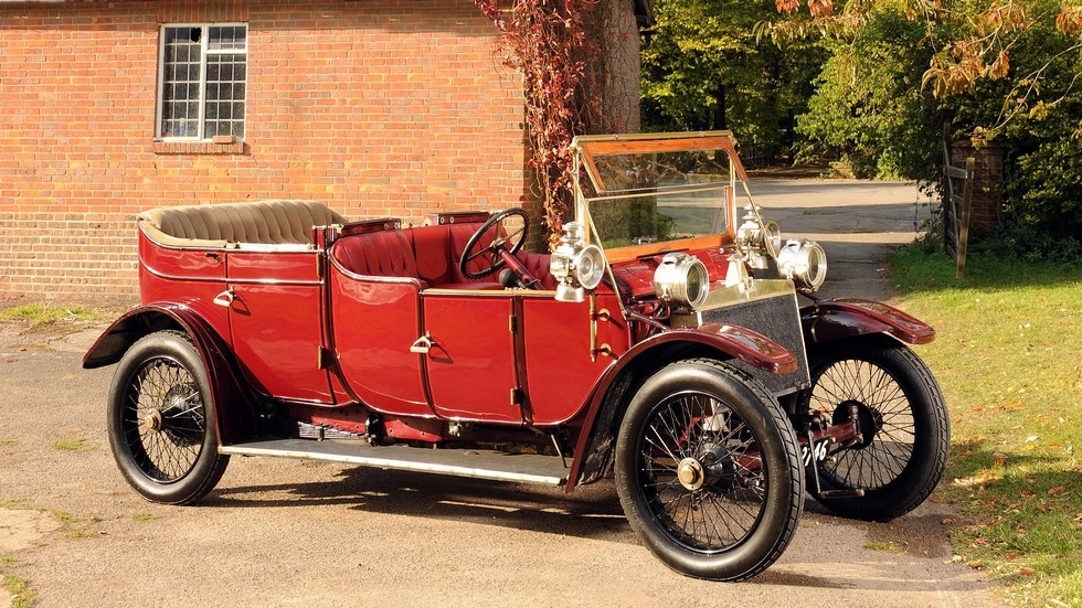 На фото: Lanchester модель 1912