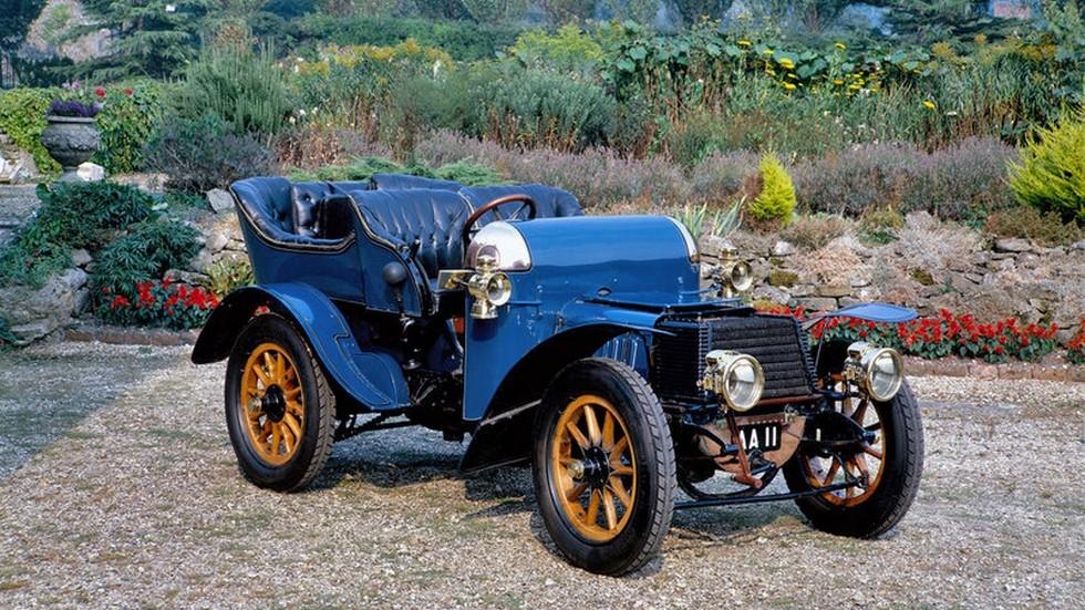 На фото: Daimler 22 HP Open Tourer '1903