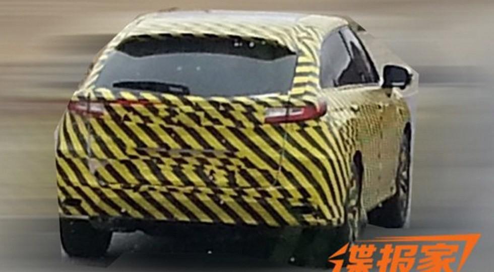 Хонда вывела натесты очередной купеобразный кроссовер