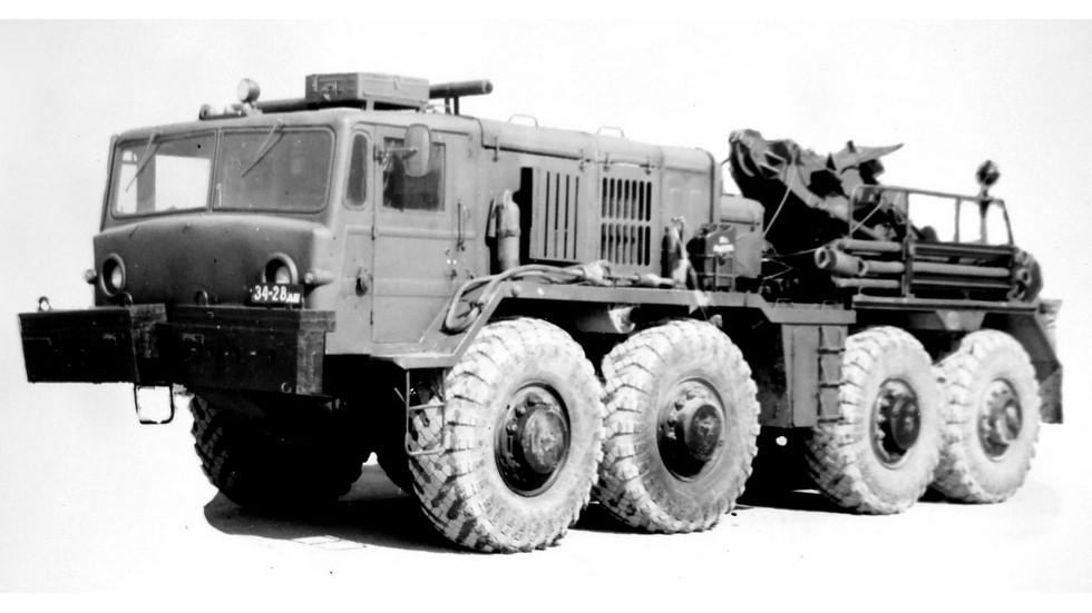 Предсерийный вариант тяжелого колесного эвакуационного тягача КЭТ-Т (из архива НИИЦ АТ)
