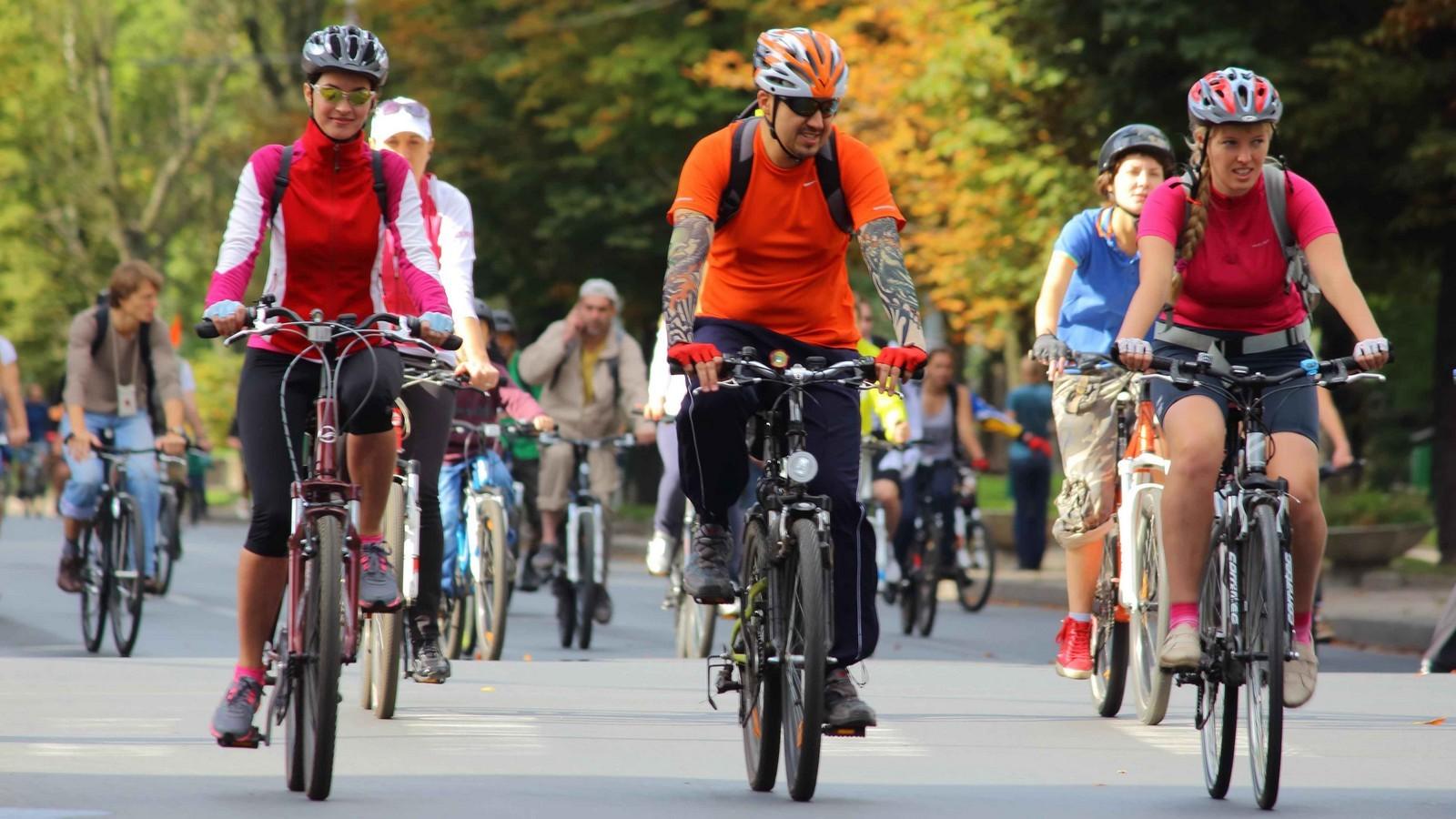 Восеннем велопараде участвуют неменее 20 тыс. человек