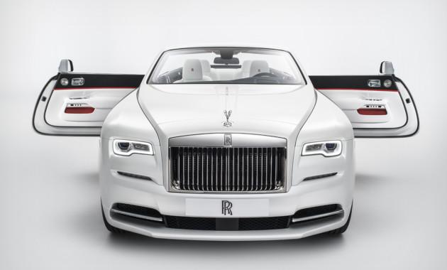 25ОктНовая коллекция Rolls Royce Dawn вдохновилась высокой модой