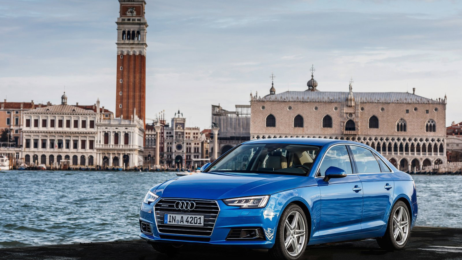 Ауди вначале осени увеличила продажи седана A4 вевропейских странах