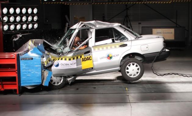 Ниссан снимает спроизводства седан, проваливший краш-тест
